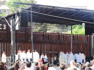 Participation at Mass on the U.S-Mexico border